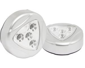 136029 Lámpara LED para clóset para 3 pilas AAA (2 piezas) Surtek -Se enciende al tacto.-No requiere cables. Ideal para closet y espacios reducidos. Incluye cinta para instalación.-Foco led bajo consumo y gran iluminación.-Diámetro: 7 cm.-No incluye pilas. Precio por blíster con 2 piezas.