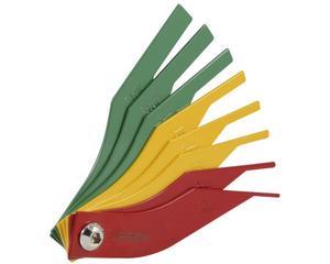 2337 Calibrador de balatas métrico de 8 hojas por color Urrea. -Fabricado en acero con recubrimiento de pintura electroestática-Incluye hojas de: 8 mm, 10 mm y 12 mm (verde), 4 mm 5 mm y 6 mm (amarillo), 2 y 3 mm (rojo)-Hojas codificadas por color para determinar fácilmente la condición de la balata