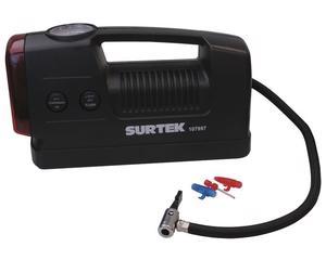 Surtek -  6m con enchufe para el encendedor de su automóvil/Cordón de energía de 2/Cuenta con manómetro para medir la presión/Incluye 3 boquillas y adaptadores de inyección/Luz radiante para iluminar e intermitente para emergencias